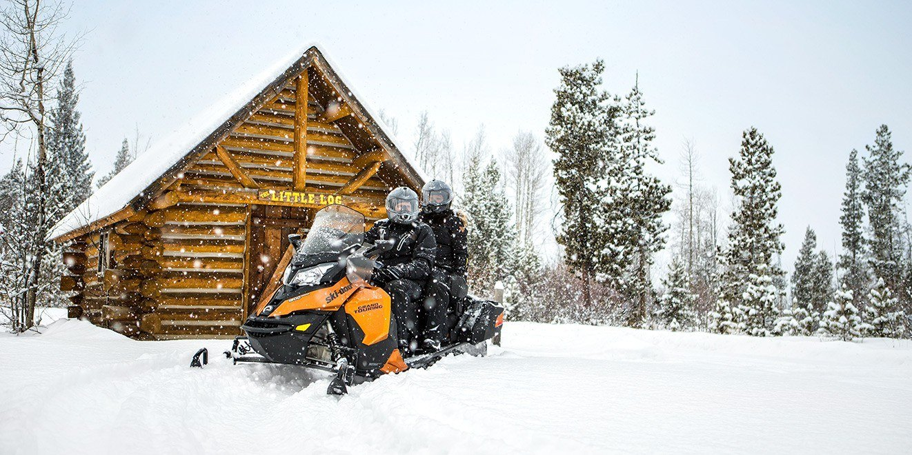 2017 Ski-Doo Grand Touring SE 900 ACE in Hotchkiss, Colorado