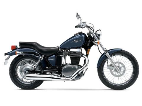 2015 Suzuki Boulevard S40 in Oakdale, New York
