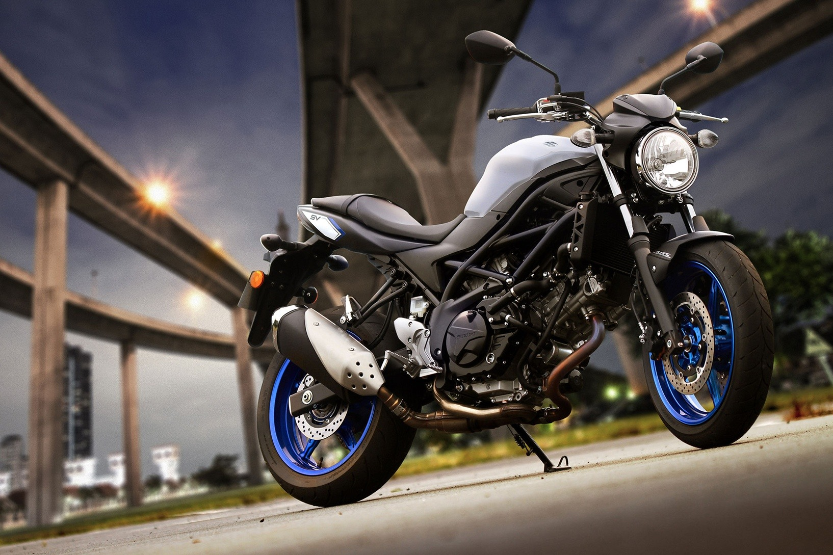 2017 Suzuki SV650 ABS in Coloma, Michigan