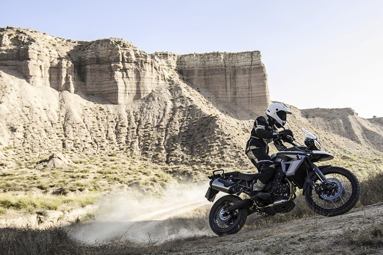 2016 Triumph Tiger 800 XC in Simi Valley, California