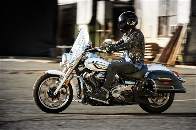 2015 Yamaha V Star 950 Tourer in Webster, Texas