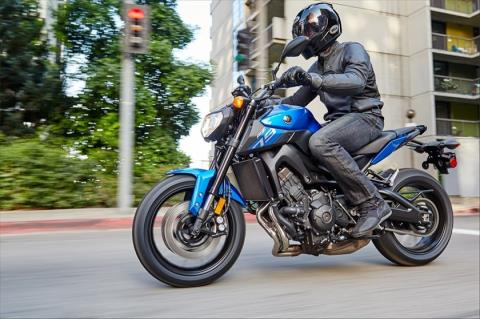 2016 Yamaha FZ-09 in Texas City, Texas