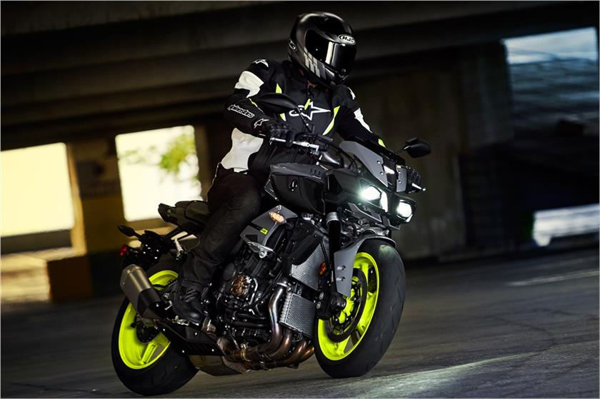 2017 Yamaha FZ-10 in Olympia, Washington