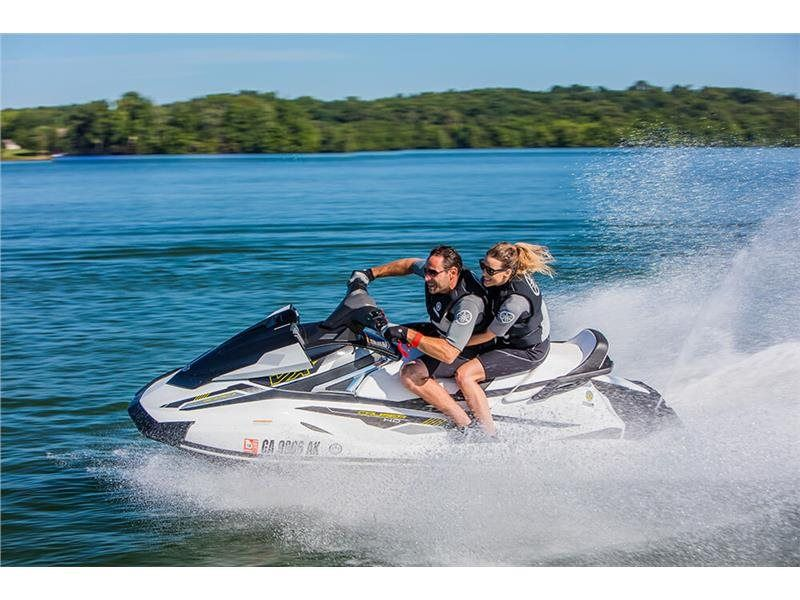 2017 Yamaha VX Cruiser HO in Coloma, Michigan