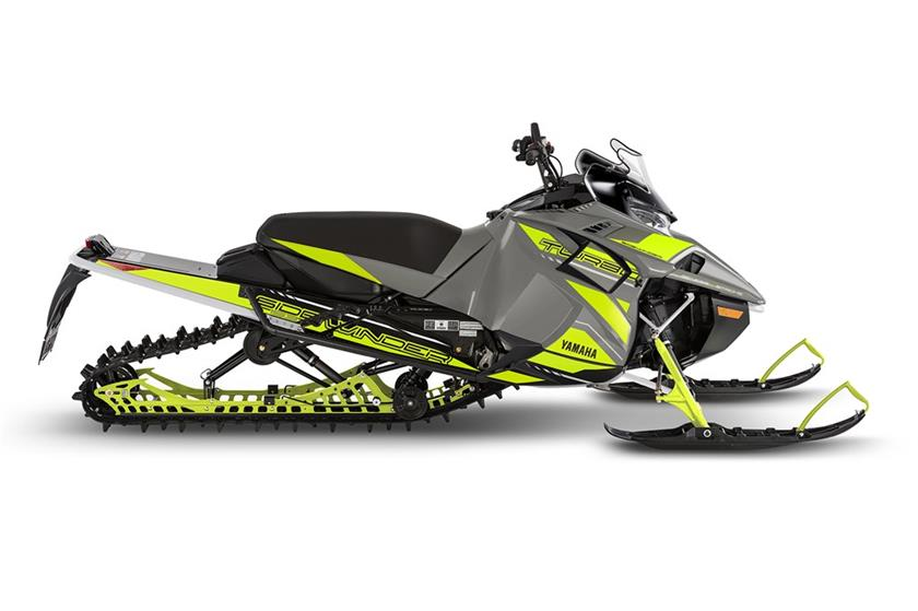 2018 Yamaha Sidewinder B-TX SE 153 1.75 in Port Washington, Wisconsin