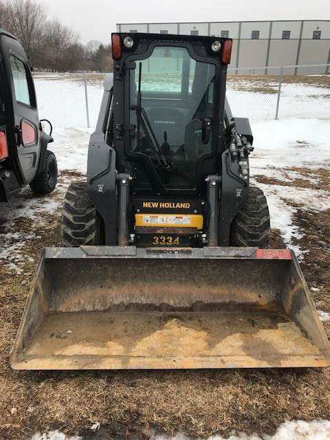 2015 New Holland Agriculture L230 in Beaver Dam, Wisconsin