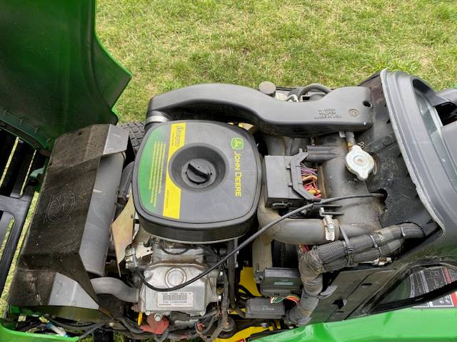 2015 John Deere X734 in Beaver Dam, Wisconsin - Photo 5