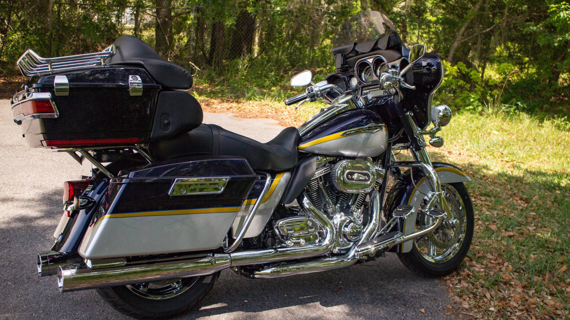 2012 Harley-Davidson CVO™ Ultra Classic® Electra Glide® in Lakeland, Florida