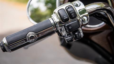 2013 Harley-Davidson Electra Glide® Ultra Limited 110th Anniversary Edition in Lakeland, Florida - Photo 8