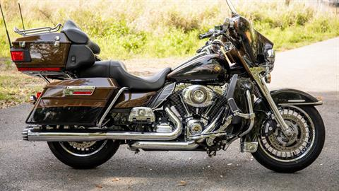 2013 Harley-Davidson Electra Glide® Ultra Limited 110th Anniversary Edition in Lakeland, Florida - Photo 41