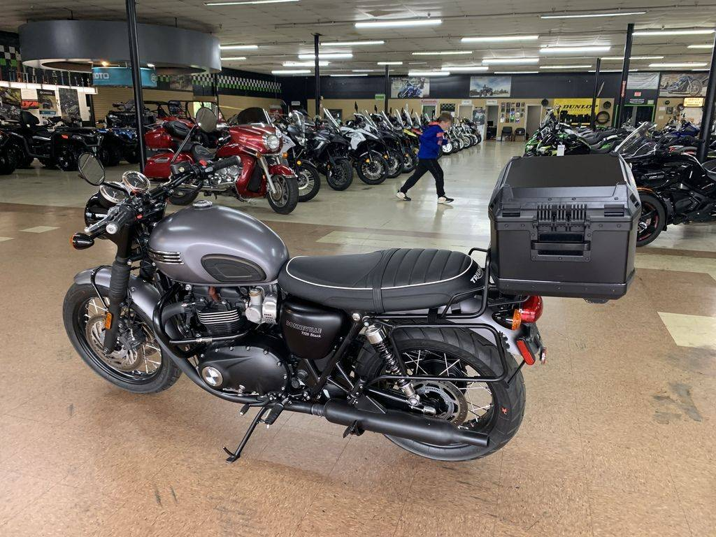 2017 Triumph Bonneville T120 Black Black Matte Graphite in Mount Sterling, Kentucky - Photo 10