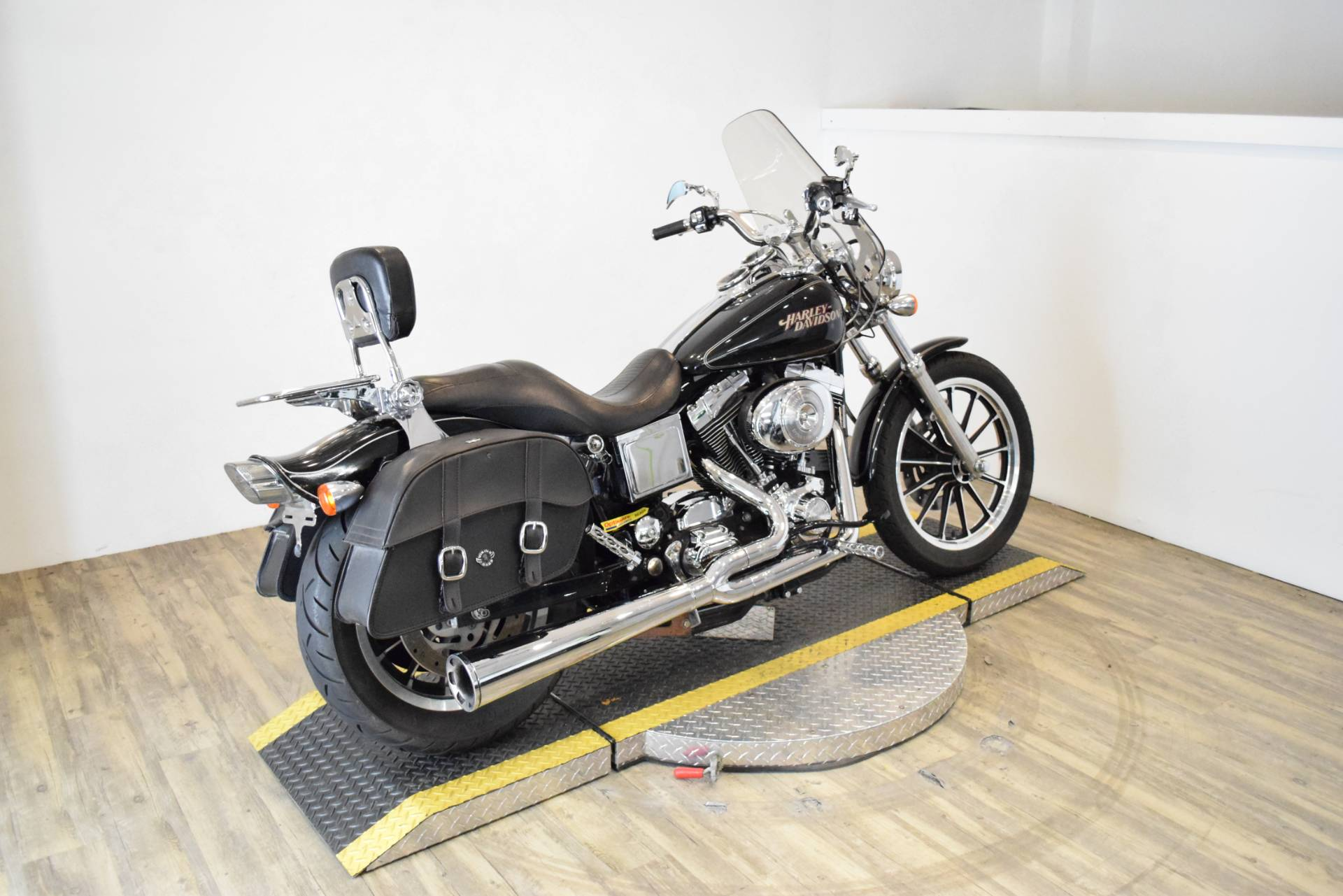 2005 Harley-Davidson FXDL/FXDLI Dyna Low Rider® in Wauconda, Illinois - Photo 11
