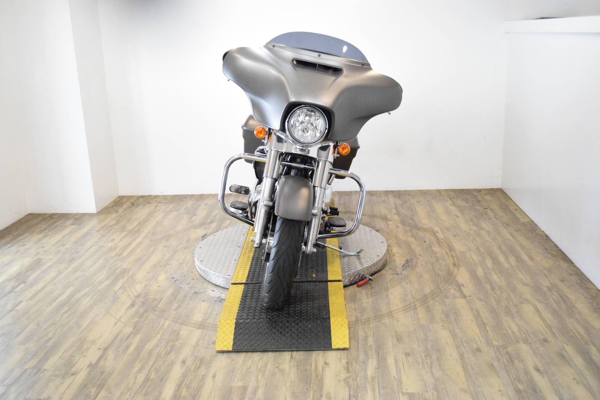2018 Harley-Davidson Street Glide® in Wauconda, Illinois - Photo 12