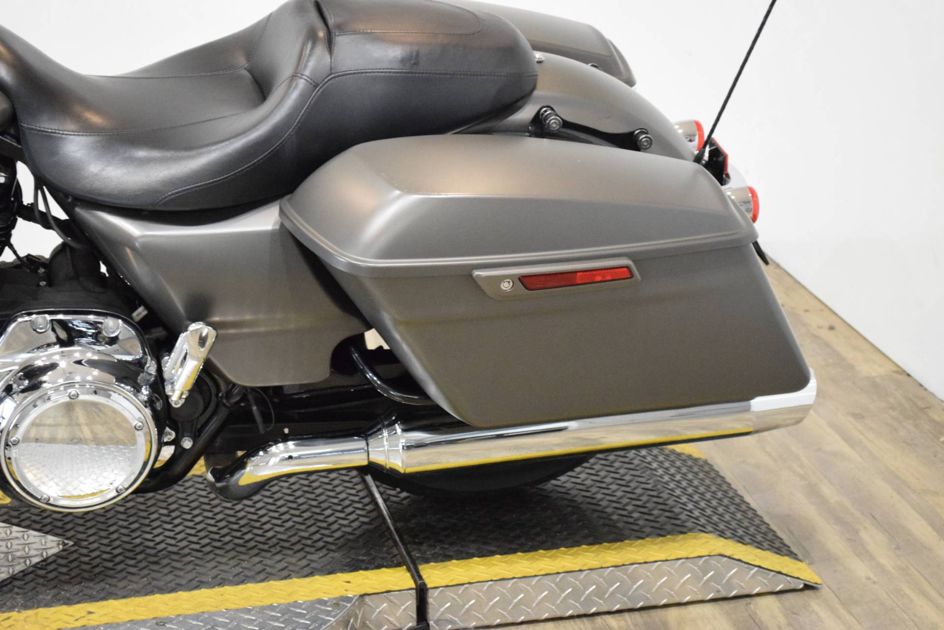 2018 Harley-Davidson Street Glide® in Wauconda, Illinois - Photo 18