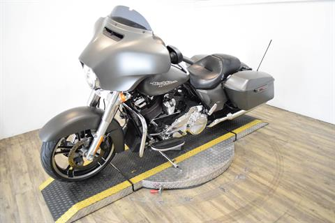 2018 Harley-Davidson Street Glide® in Wauconda, Illinois - Photo 24