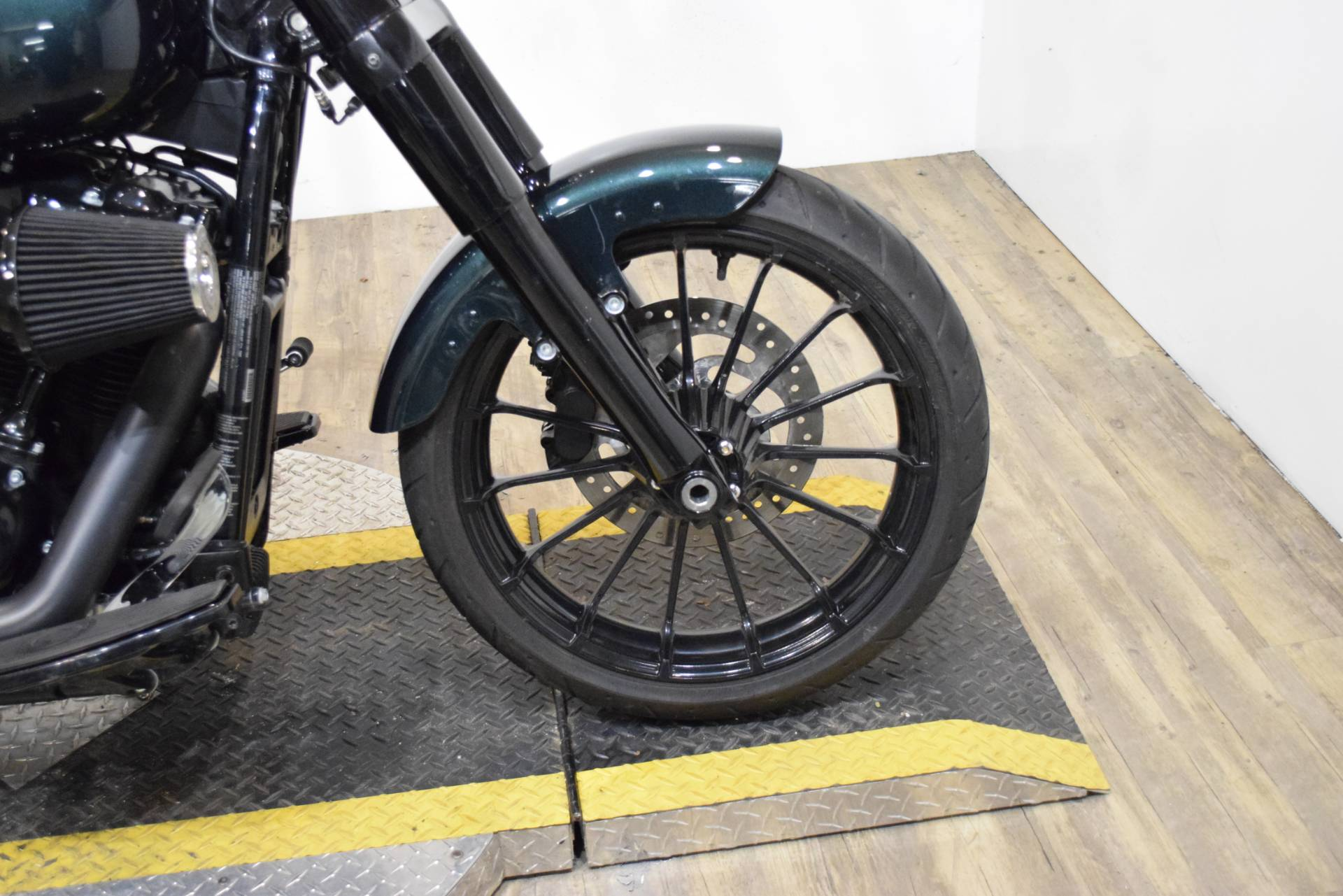 2018 Harley-Davidson Softail Slim in Wauconda, Illinois - Photo 2