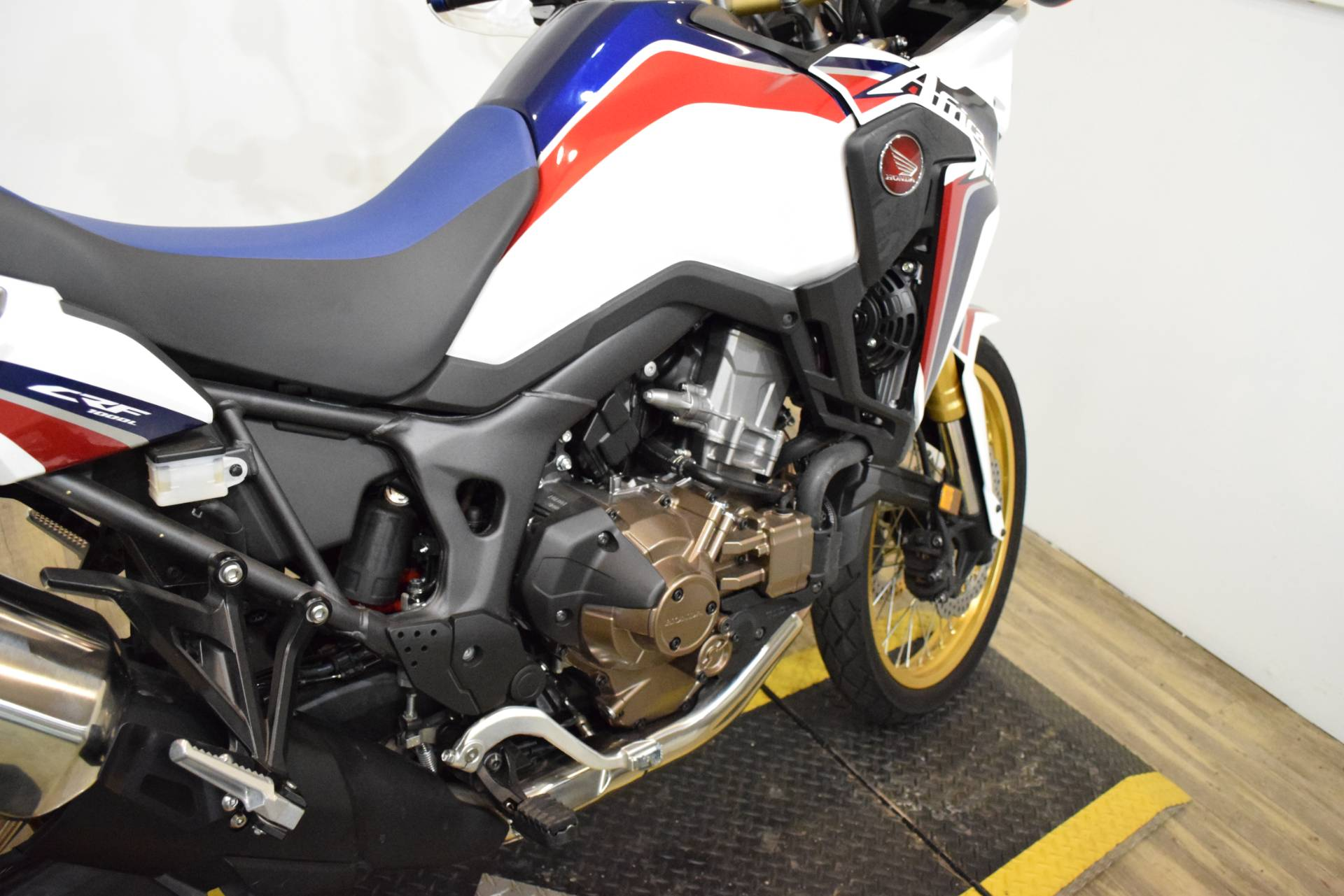 2017 Honda Africa Twin DCT in Wauconda, Illinois - Photo 7