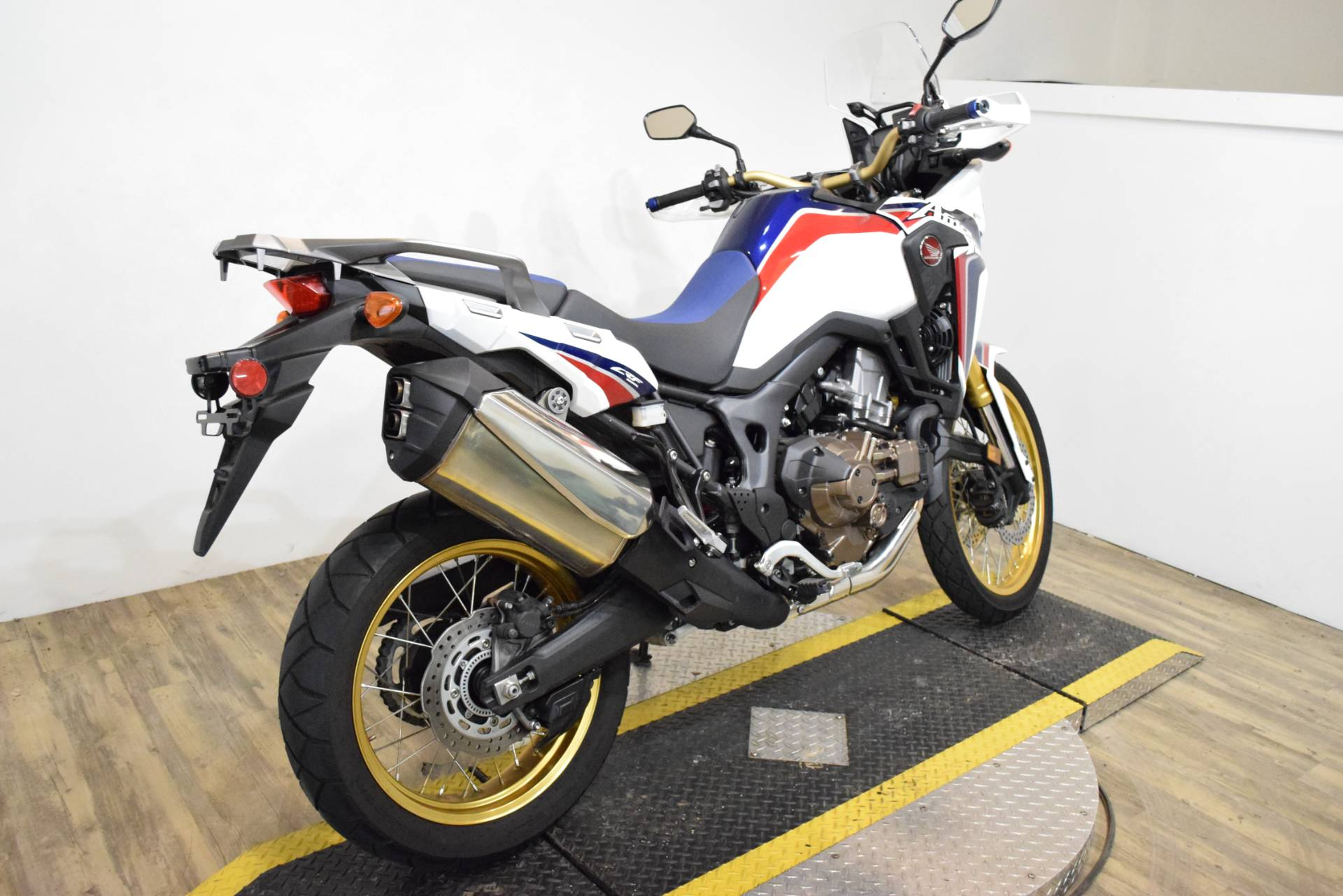 2017 Honda Africa Twin DCT in Wauconda, Illinois - Photo 10