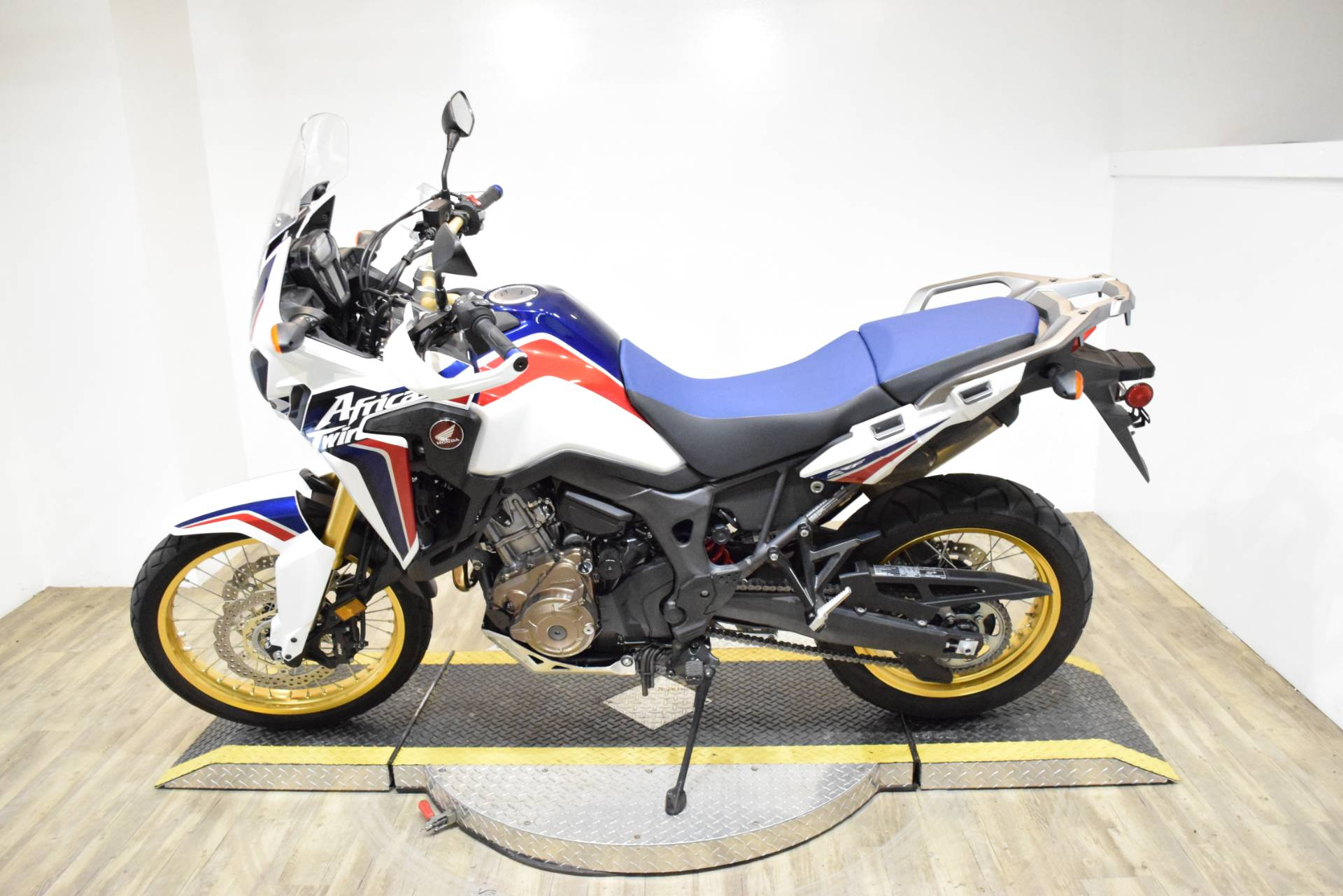 2017 Honda Africa Twin DCT in Wauconda, Illinois - Photo 16