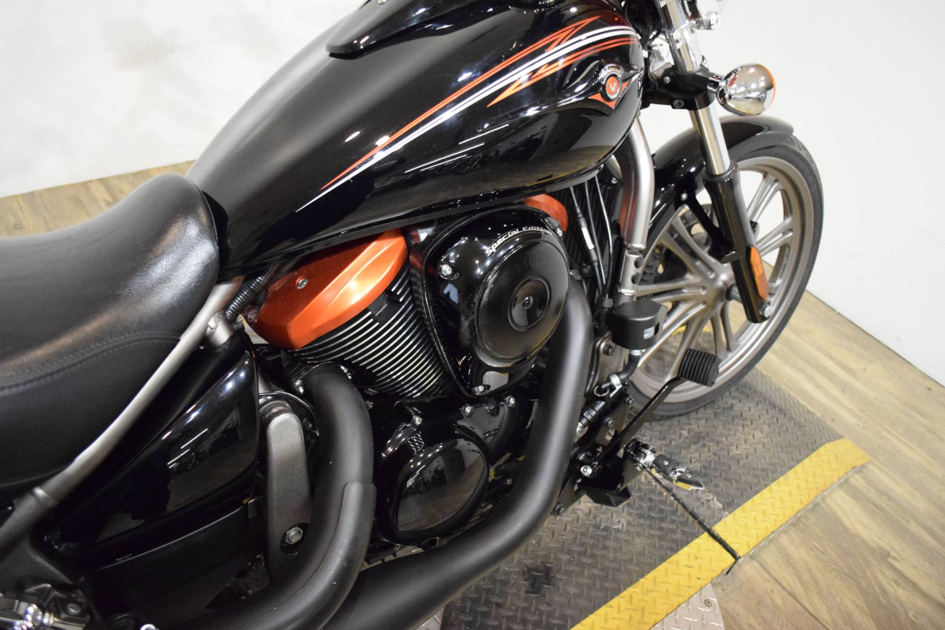 2009 Kawasaki Vulcan® 900 Custom in Wauconda, Illinois - Photo 6