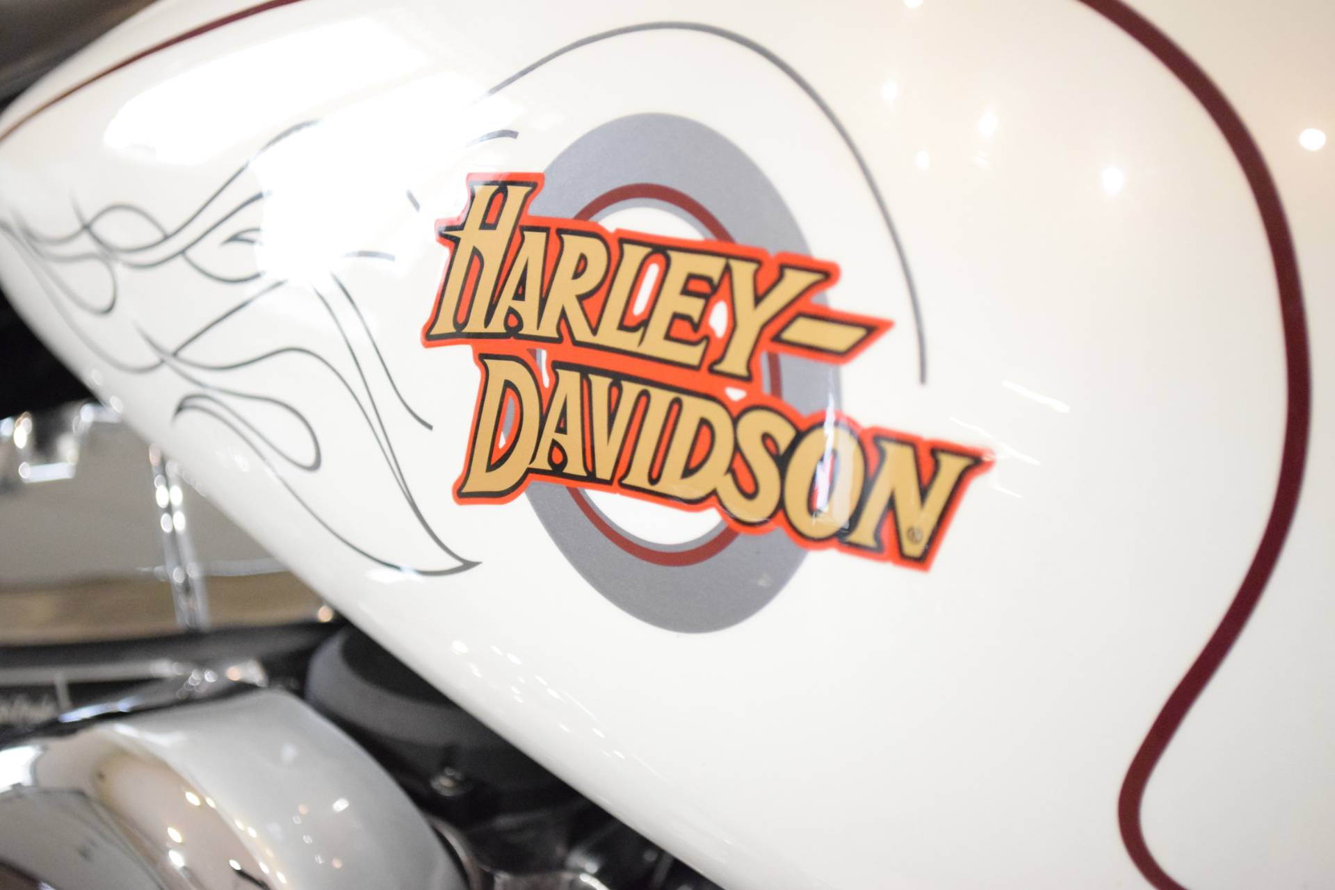 2000 Harley-Davidson DYNA WIDE GLIDE in Wauconda, Illinois - Photo 5