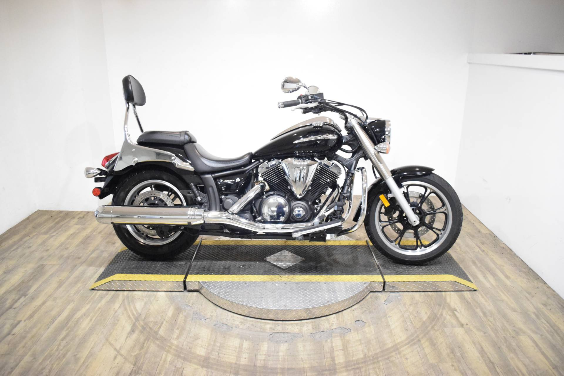 2009 Yamaha V Star 950 in Wauconda, Illinois - Photo 1