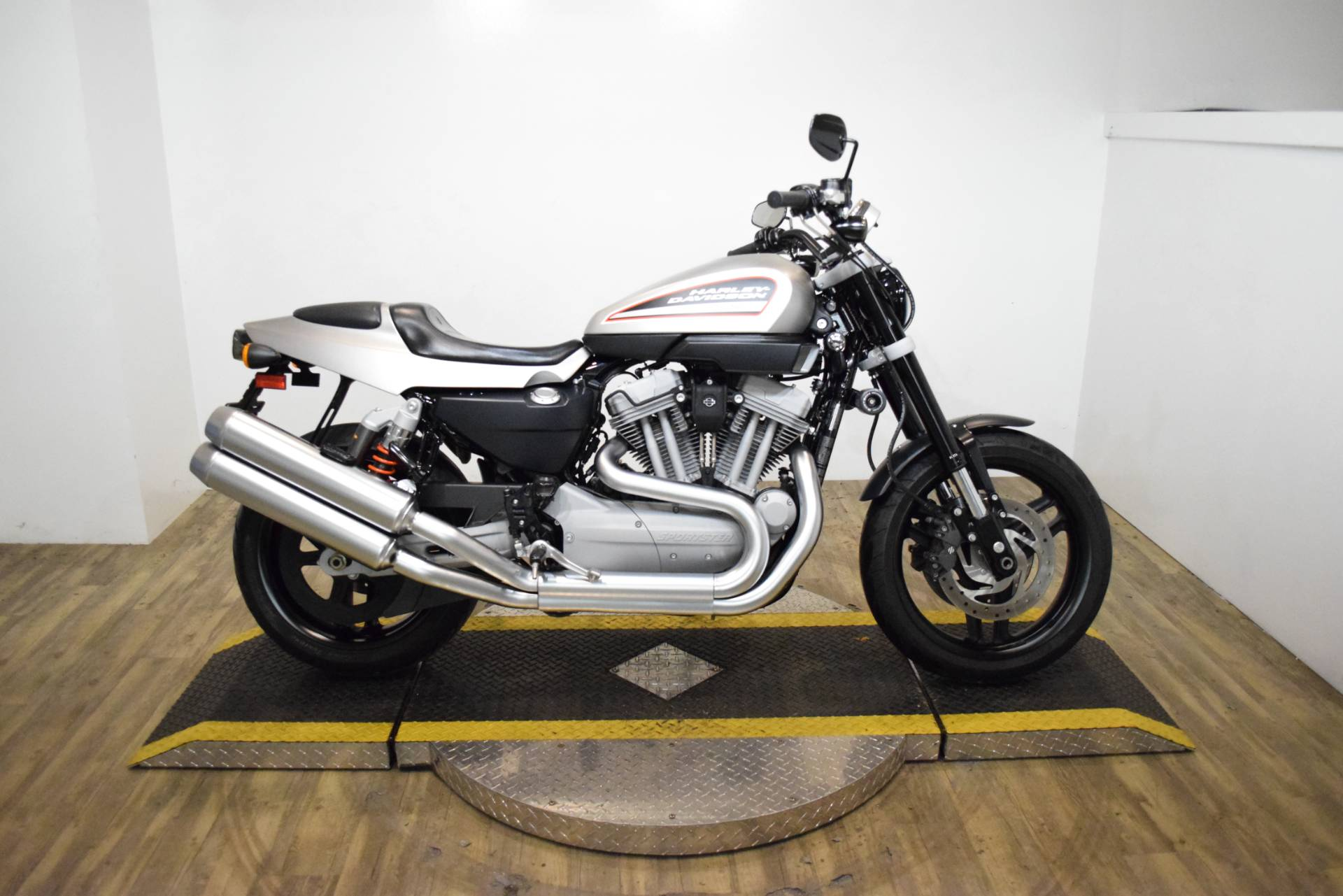 2009 Harley-Davidson XR 1200 in Wauconda, Illinois - Photo 1