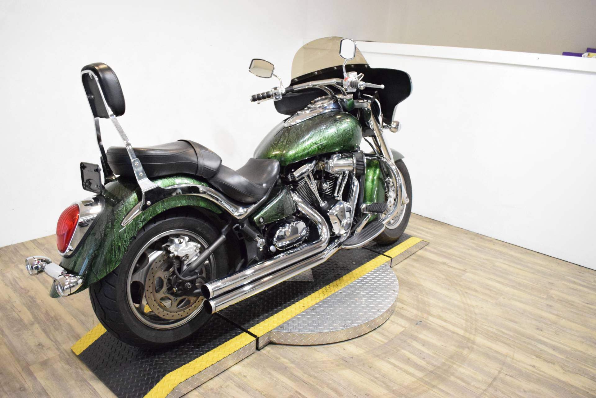 2004 Kawasaki VULCAN 2000 in Wauconda, Illinois