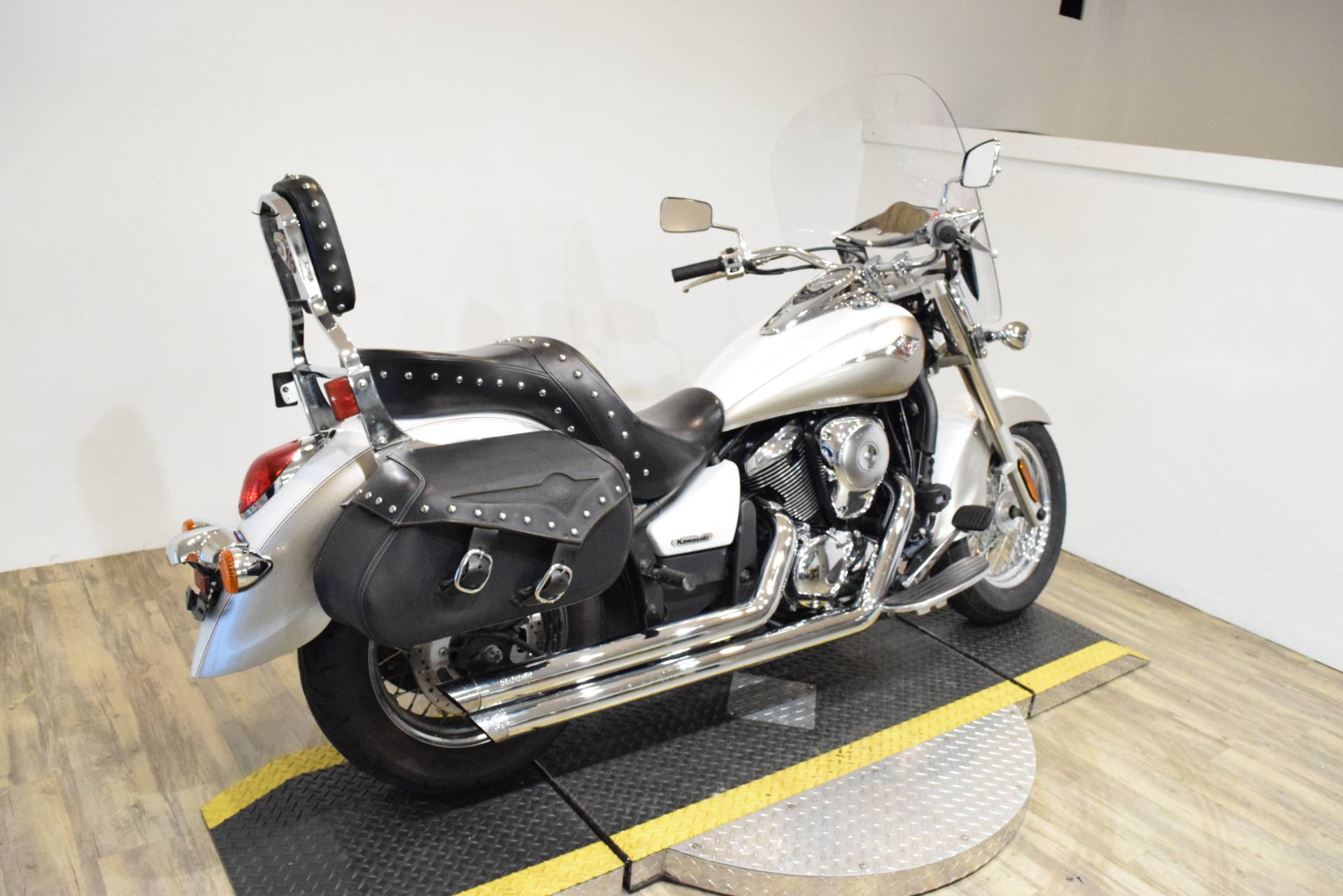 2008 Kawasaki Vulcan® 900 Classic LT in Wauconda, Illinois - Photo 11