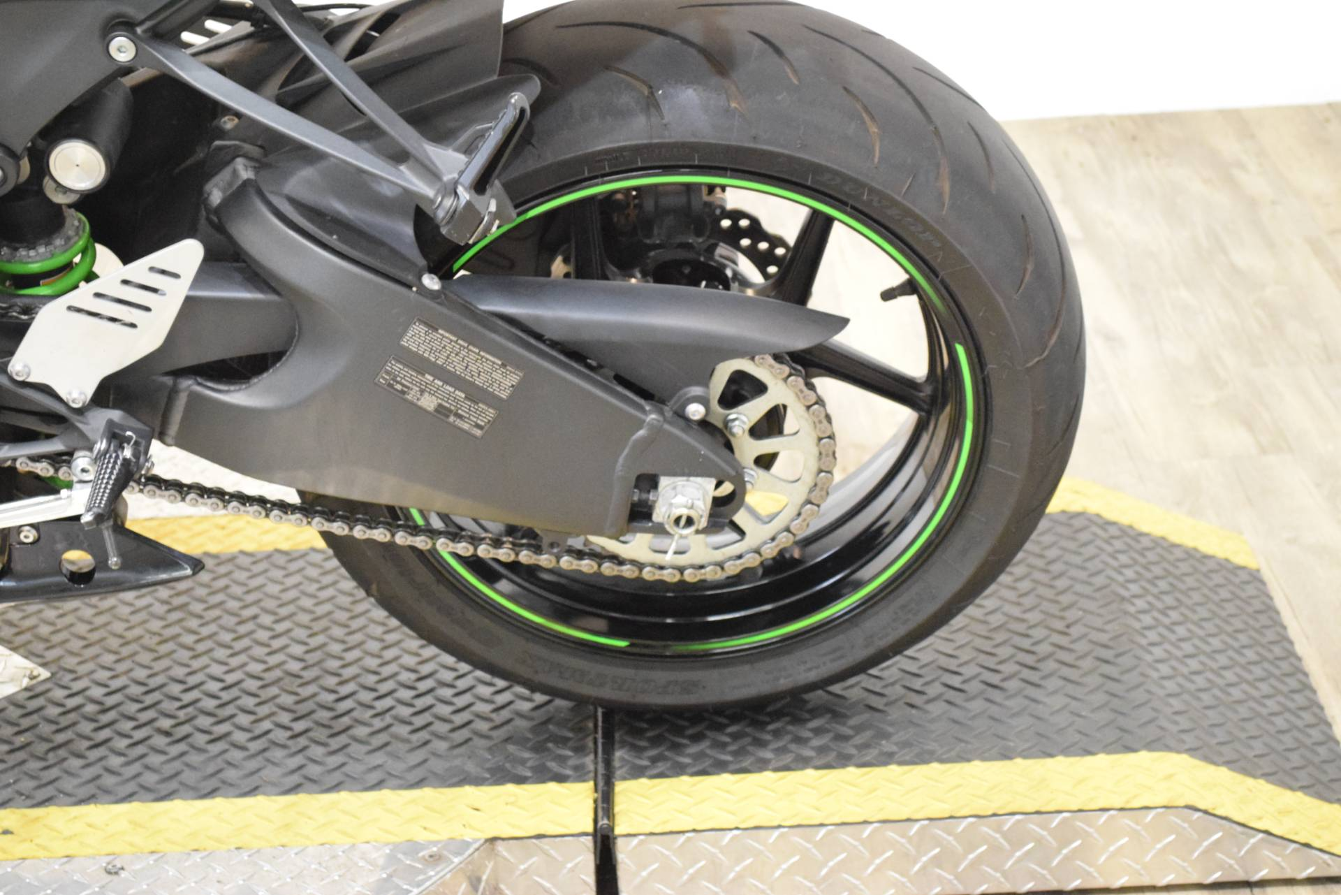 2015 Kawasaki Ninja® ZX™-6R ABS 30th Anniversary in Wauconda, Illinois - Photo 19