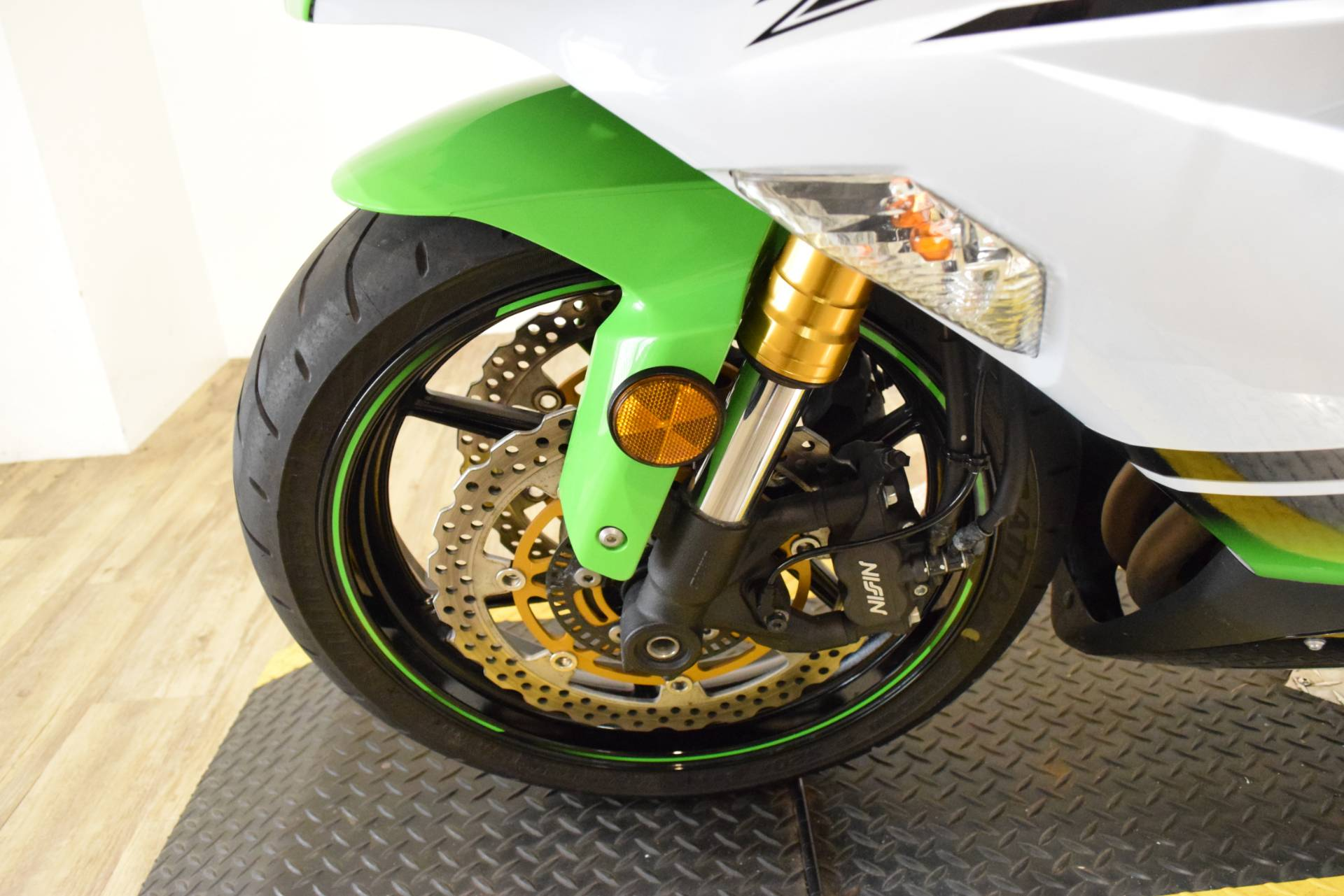 2015 Kawasaki Ninja® ZX™-6R ABS 30th Anniversary in Wauconda, Illinois - Photo 26