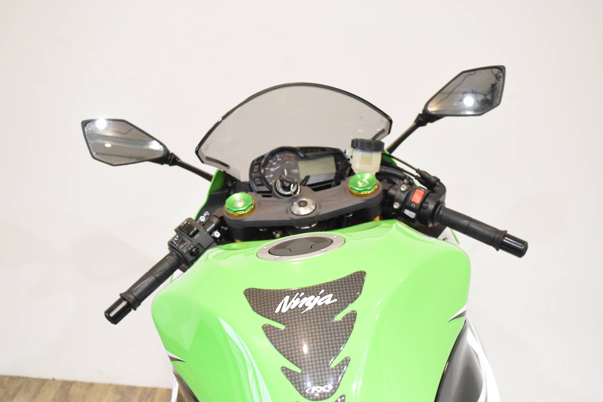 2015 Kawasaki Ninja® ZX™-6R ABS 30th Anniversary in Wauconda, Illinois - Photo 31