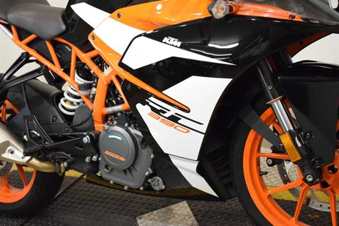 2017 KTM RC 390 in Wauconda, Illinois - Photo 4