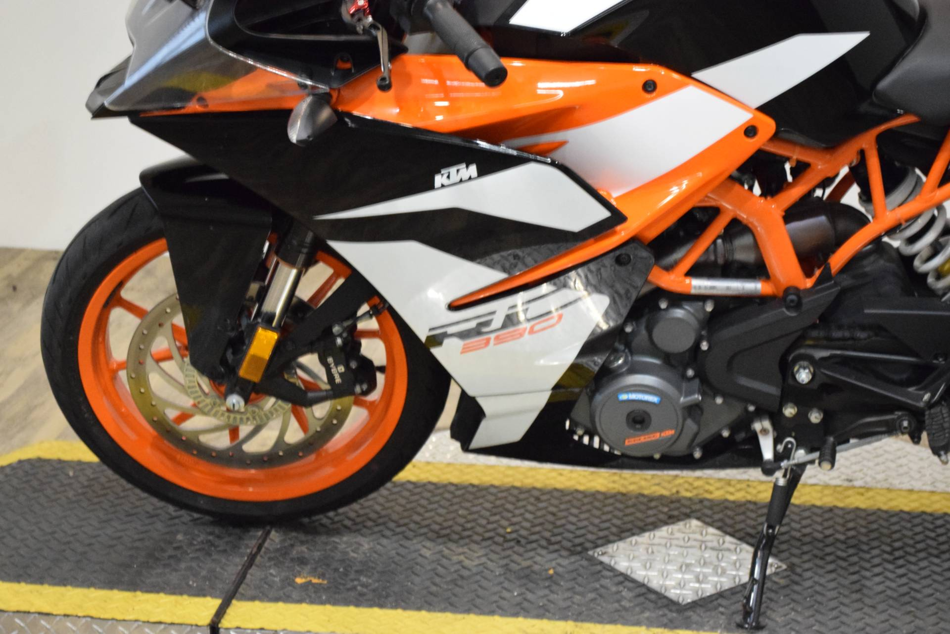 2017 KTM RC 390 in Wauconda, Illinois - Photo 17