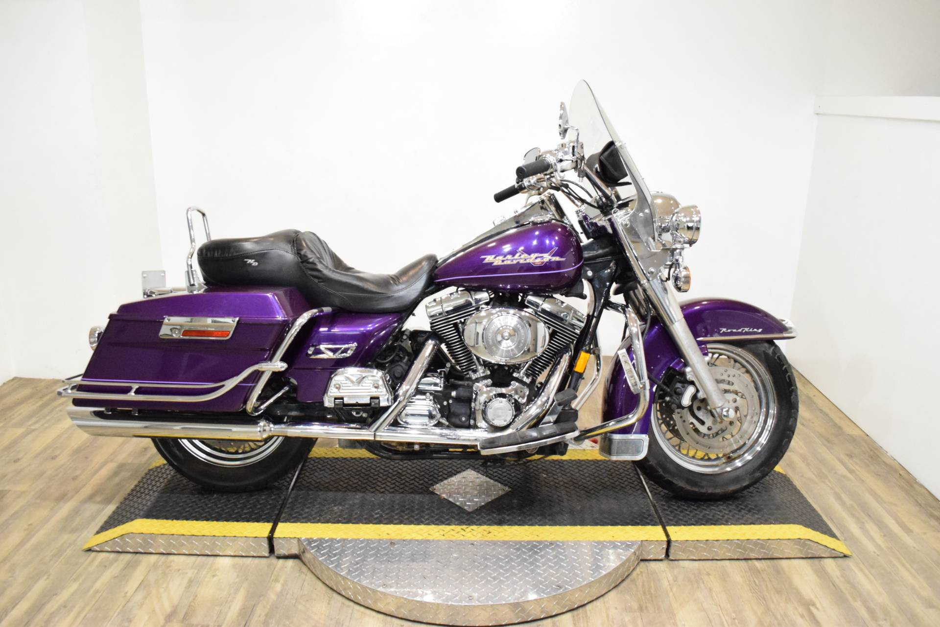 2000 Harley-Davidson FLHRI ROADKING in Wauconda, Illinois - Photo 1
