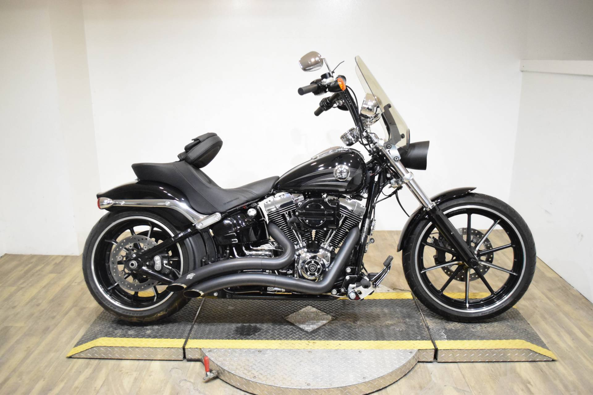 2016 Harley-Davidson Breakout® in Wauconda, Illinois - Photo 1