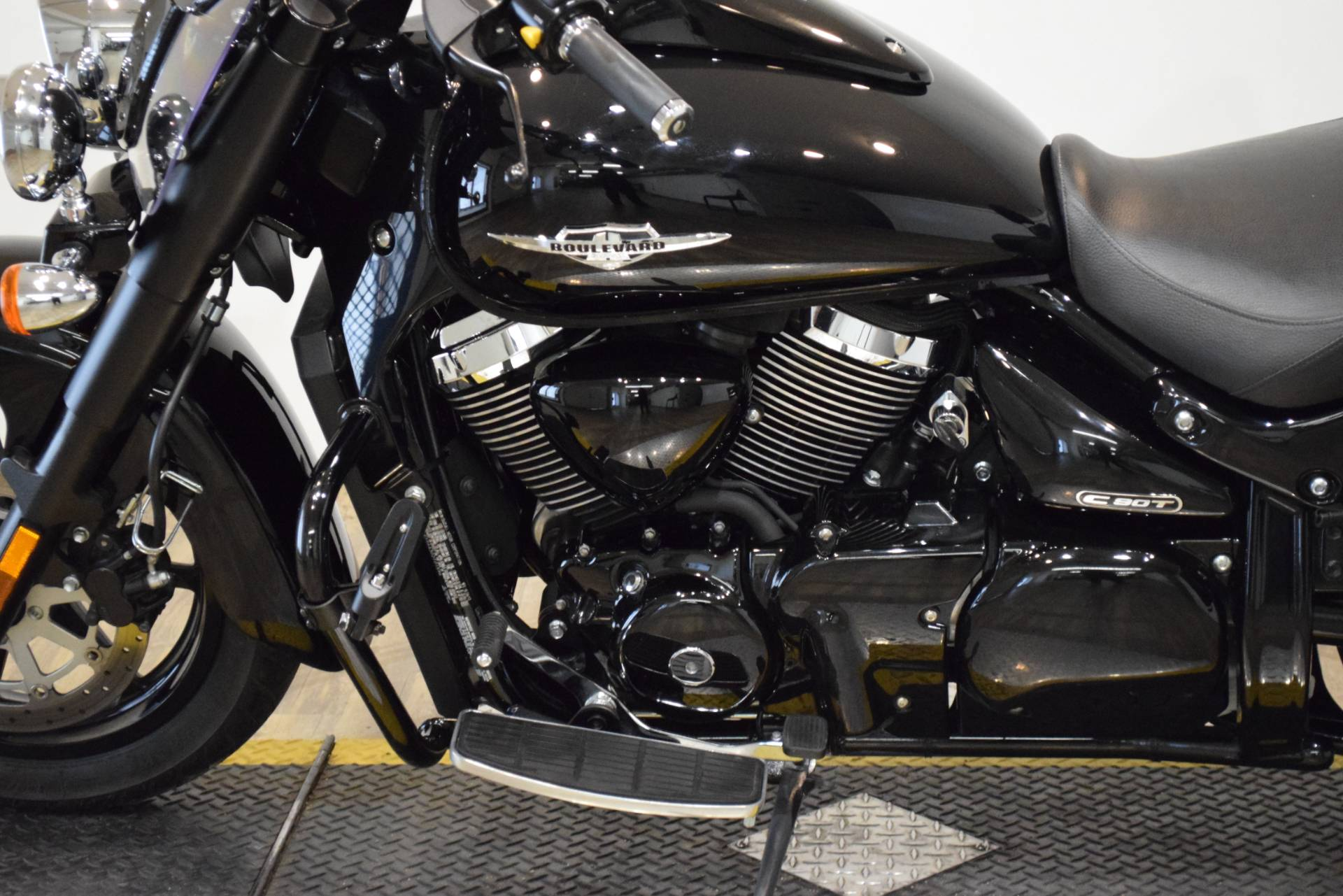 2013 Suzuki Boulevard C90 B.O.S.S. in Wauconda, Illinois - Photo 20