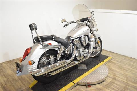 2006 Honda VTX™1300R in Wauconda, Illinois - Photo 10