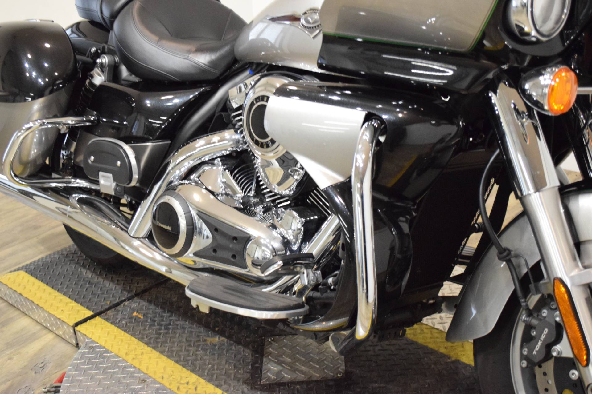 2016 Kawasaki Vulcan 1700 Voyager ABS in Wauconda, Illinois - Photo 4