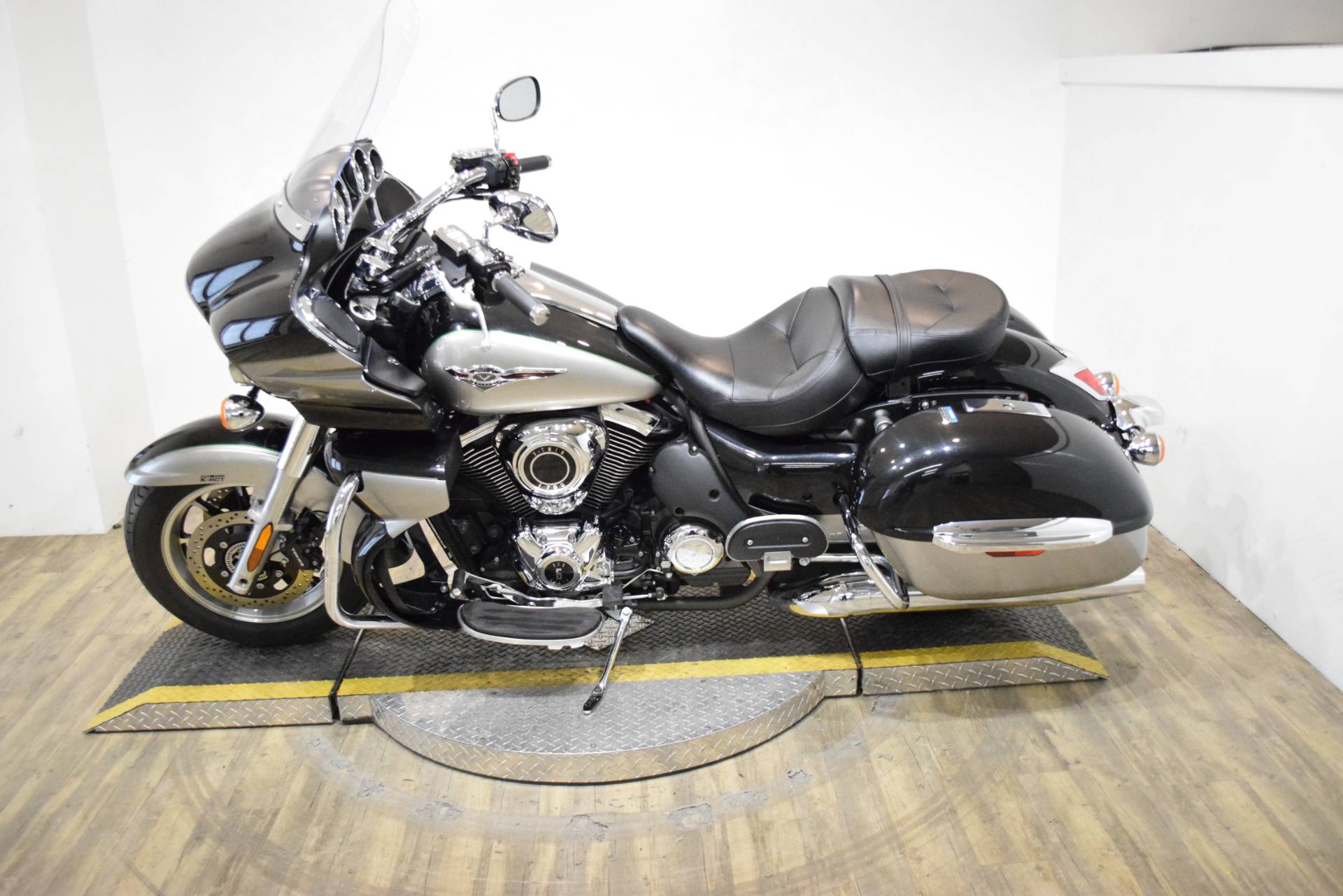2016 Kawasaki Vulcan 1700 Voyager ABS in Wauconda, Illinois - Photo 15