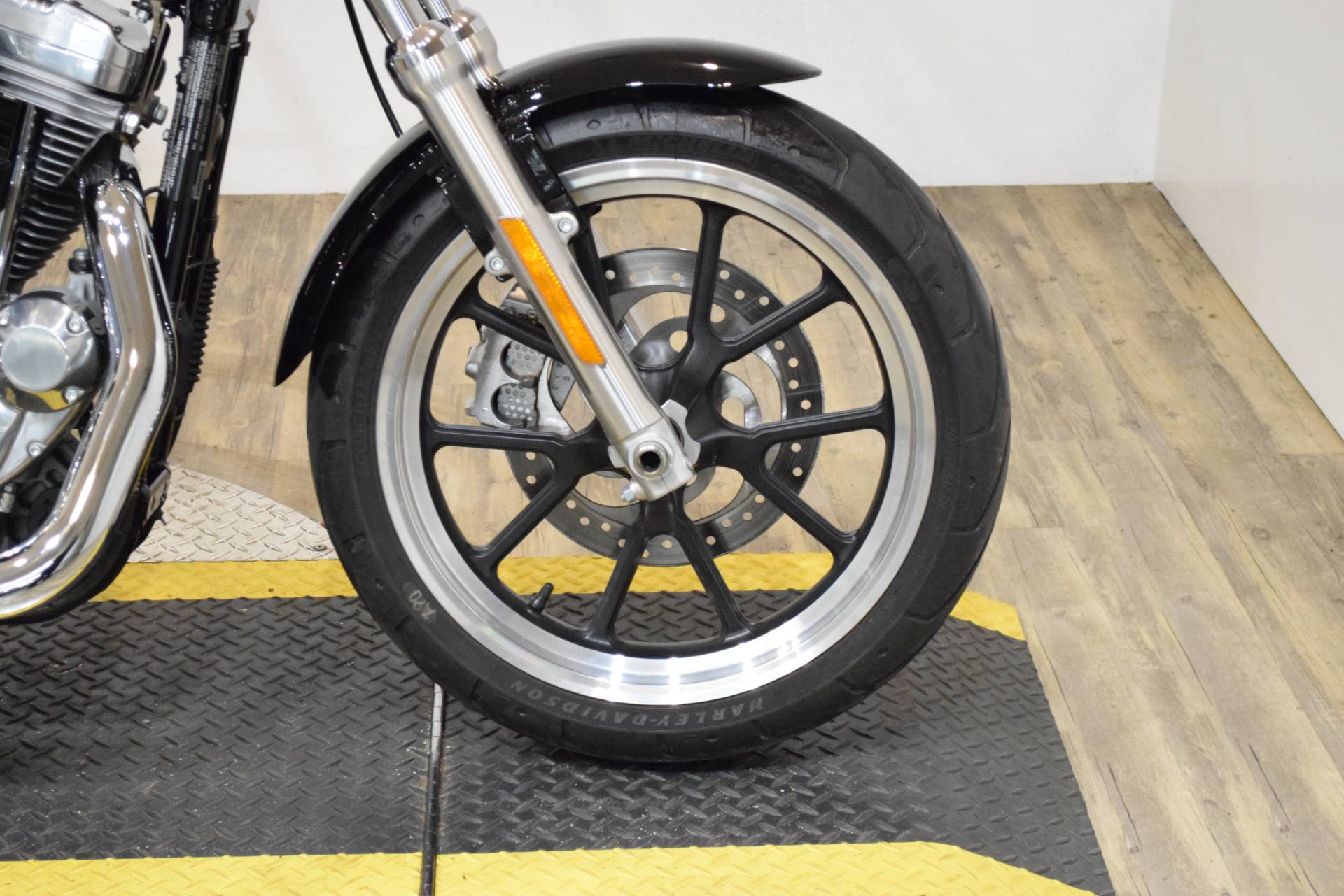 2016 Harley-Davidson XL883L in Wauconda, Illinois - Photo 2