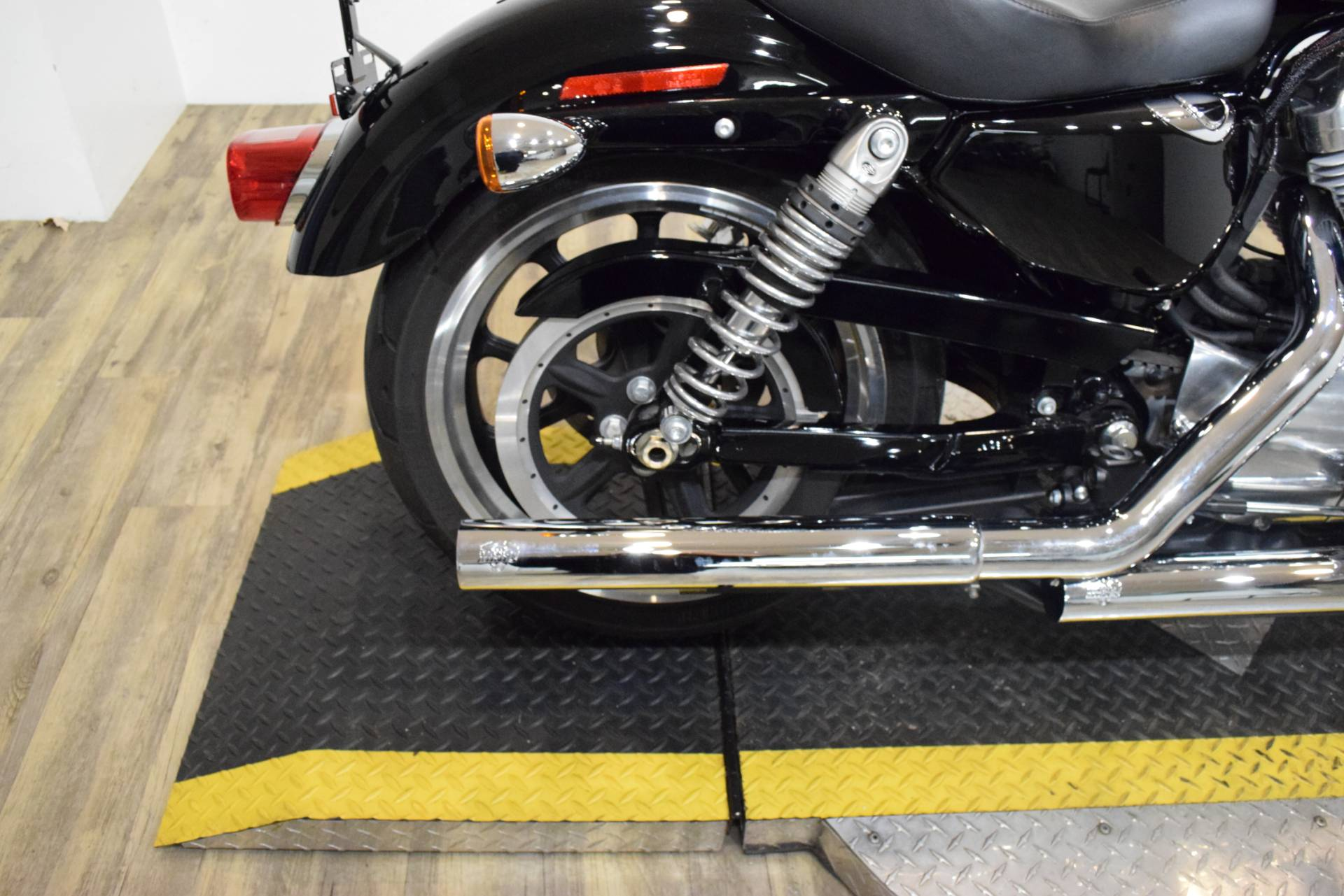 2016 Harley-Davidson XL883L in Wauconda, Illinois - Photo 9