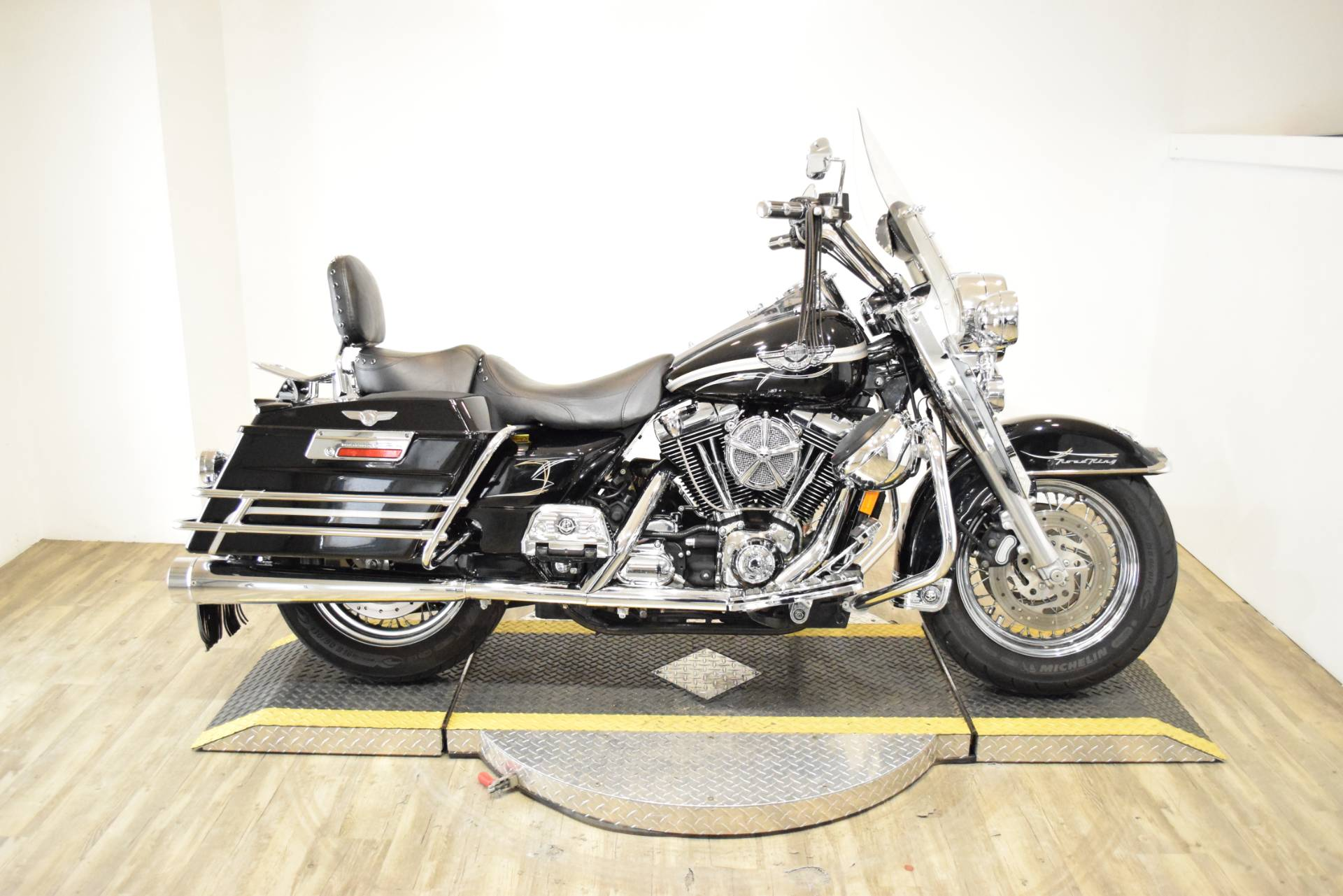 2003 Harley-Davidson FLHRCI Road King® Classic in Wauconda, Illinois - Photo 1