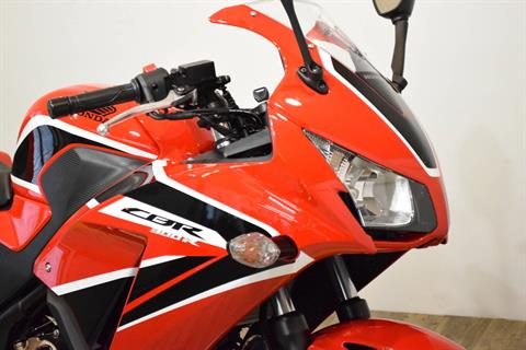 2017 Honda CBR300R in Wauconda, Illinois - Photo 3