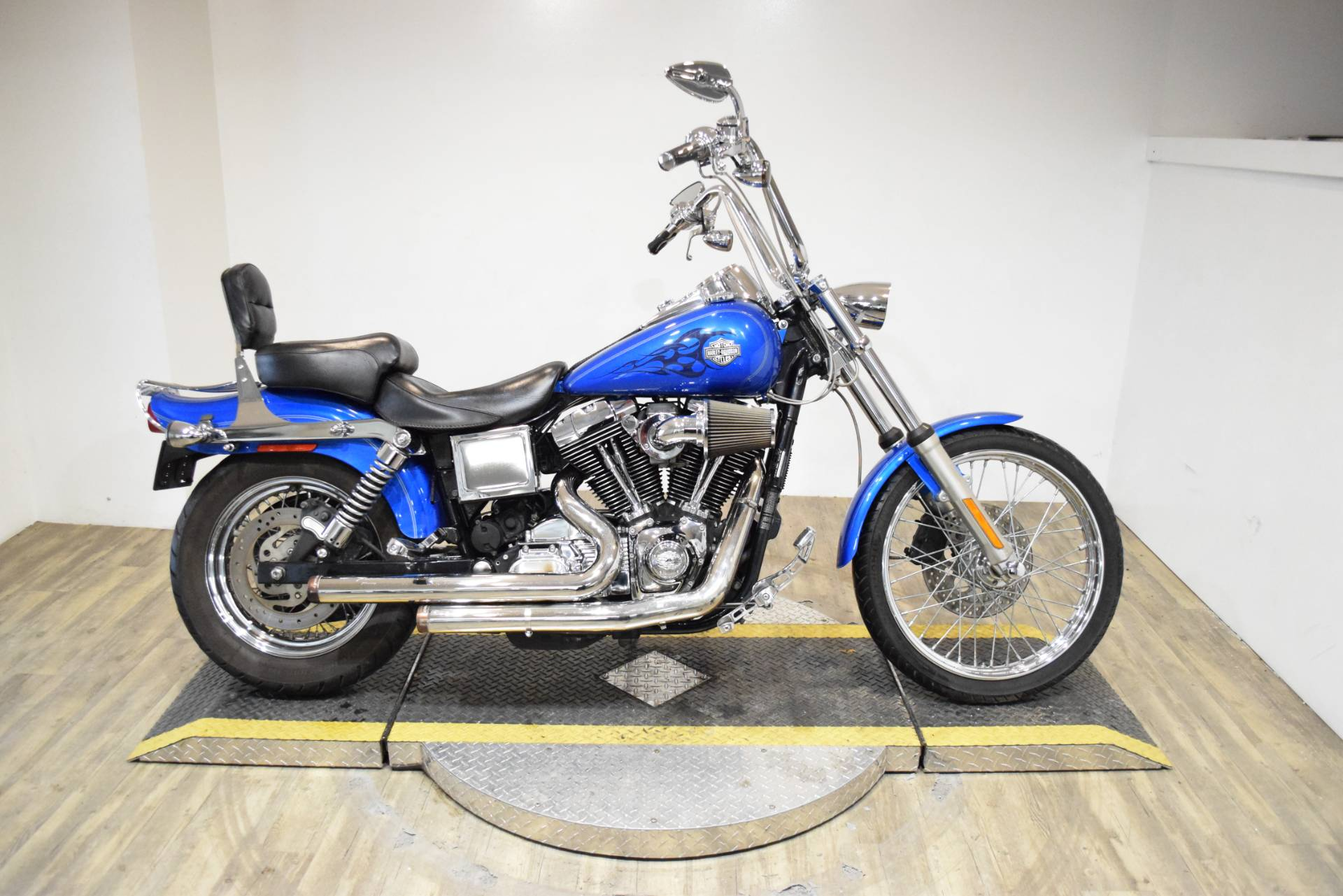 2004 Harley-Davidson FXDWG/FXDWGI Dyna Wide Glide® in Wauconda, Illinois - Photo 1