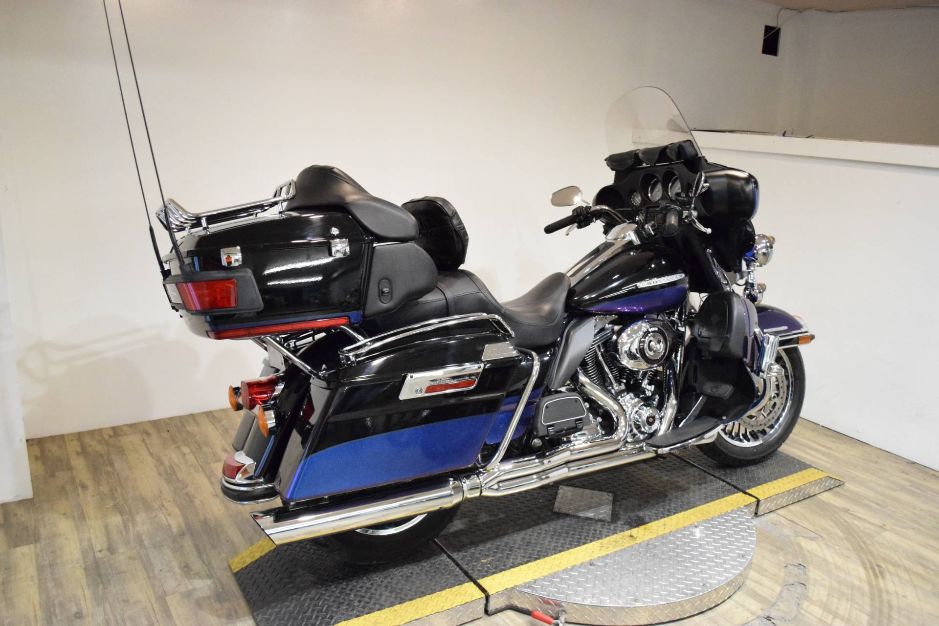 2010 Harley-Davidson Electra Glide® Ultra Limited in Wauconda, Illinois - Photo 9