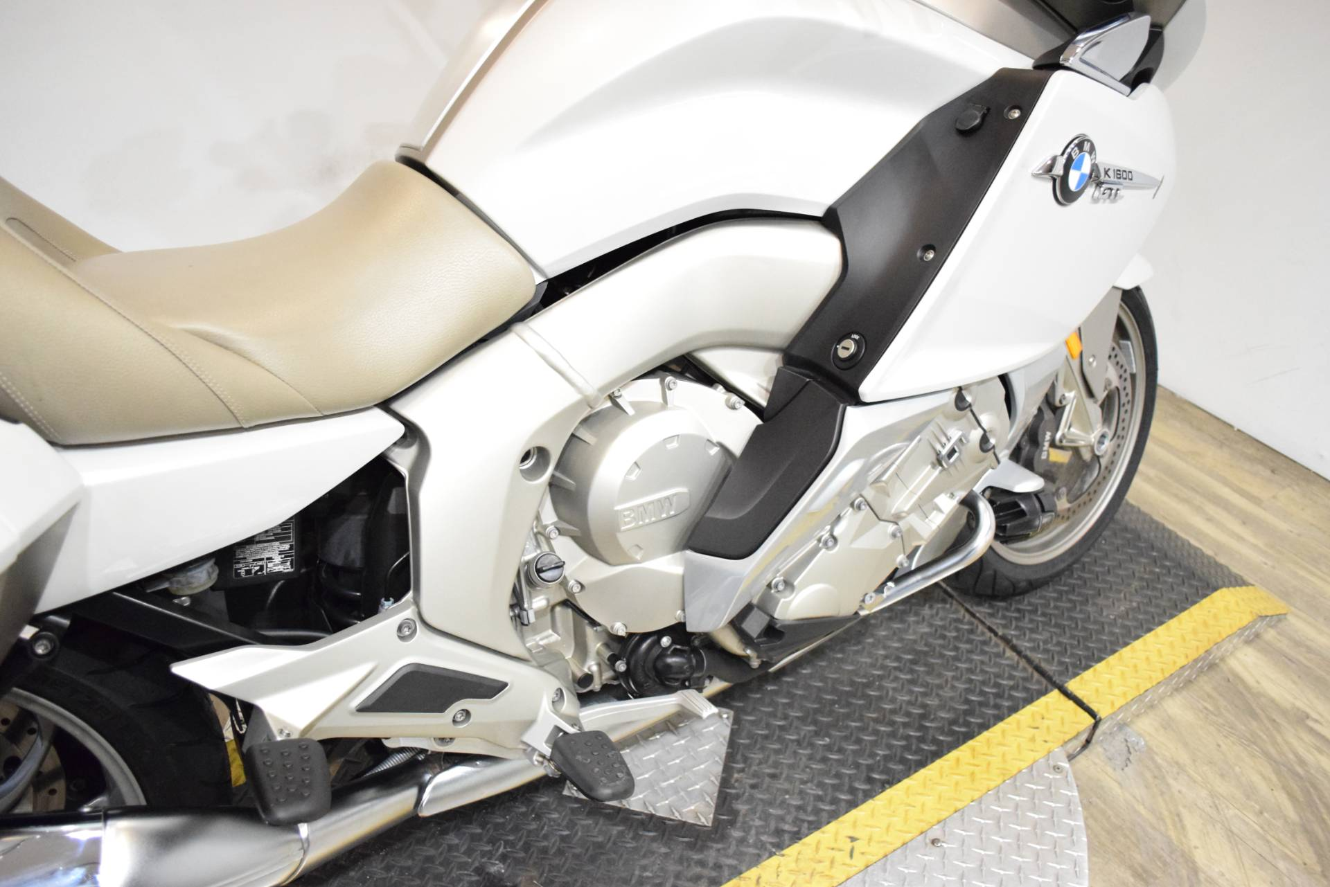 2015 BMW K 1600 GTL Exclusive in Wauconda, Illinois - Photo 6
