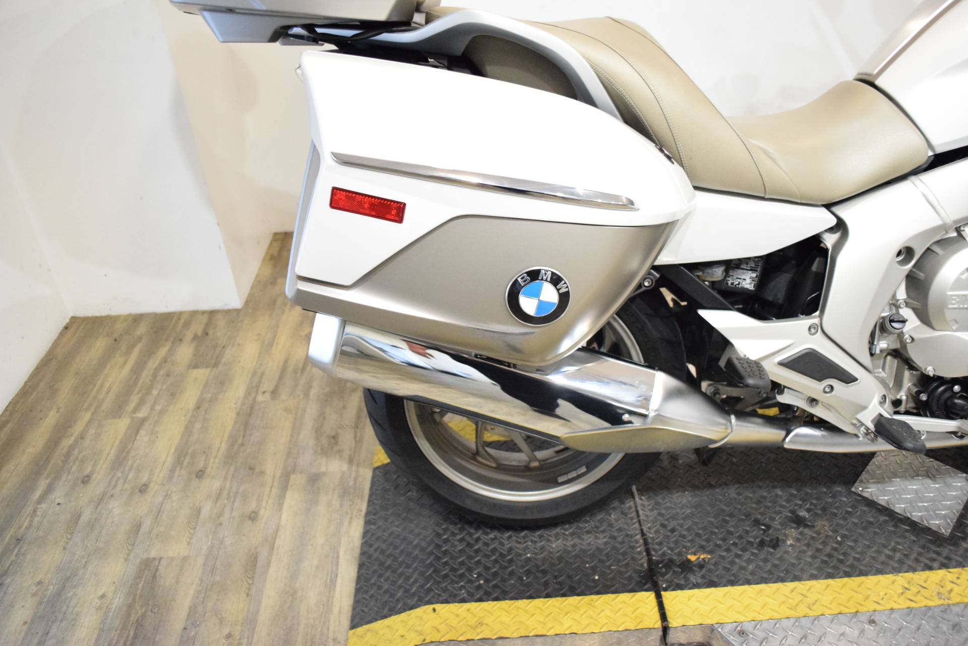 2015 BMW K 1600 GTL Exclusive in Wauconda, Illinois - Photo 8