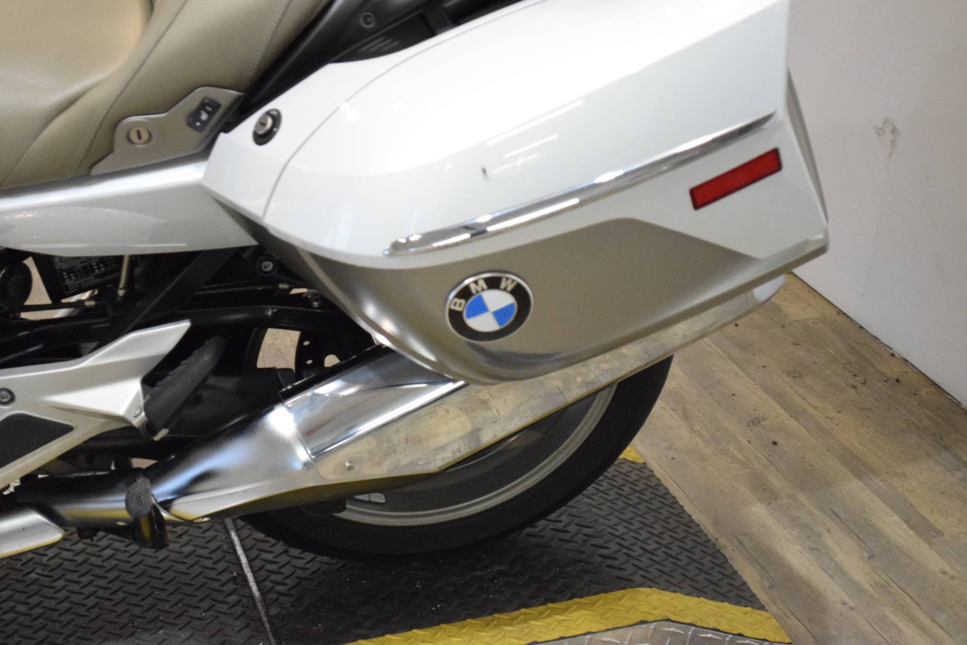 2015 BMW K 1600 GTL Exclusive in Wauconda, Illinois - Photo 16