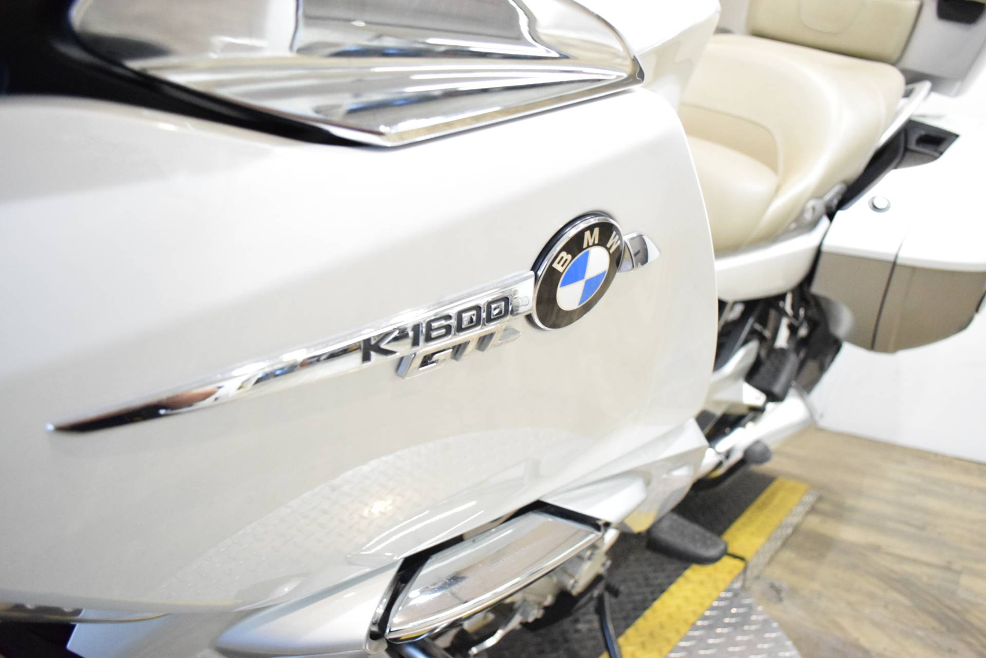 2015 BMW K 1600 GTL Exclusive in Wauconda, Illinois - Photo 19